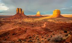 Last Light Over Monument Valley (Mimi Ditchie) Tags: monumentvalley sunset mittens themittens valley landscape monumentvalleynavajotribalpark oljato arizona utah oljatoarizona getty gettyimages mimiditchie mimiditchiephotography