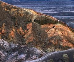 The brave photographer (Robyn Hooz) Tags: deathvalley california valledellamorte photography landscape fotografo cima rocce rocks ditch far