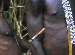 NG-D4--020b-uitsnede (Stichting Papua Erfgoed) Tags: papua stichtingpapuaerfgoed pace papuaheritagefoundation nederlandsnieuwguinea irianjaya irianbarat newguinea