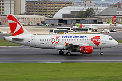 CSA Czech Airlines Airbus A319-112 OK-NEO LIS 07-04-18 (Axel J. ✈ Aviation Photography) Tags: csa czechairlines airbus a319 okneo lis lisbon humbertodelgado luftfahrt fluggesellschaft flughafen flugplatz aircraft aeroplane aviation airline airport airfield 飞机 vliegtuig 飛機 飛行機 비행기 самолет תְעוּפָה hàngkhông авиация avião luchthaven luchtvaart avion aeropuerto aviación aviação aviones jet linienflugzeug vorfeld apron taxiway rollweg runway startbahn landebahn outdoor planespotter planespotting spotter spotting fracht freight cargo