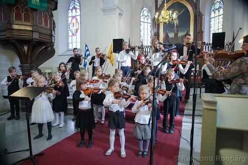 2015_Suzuki ansambel Viiulikeeled_Tallinna Jaani kirik