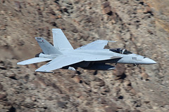 166914 (Ian.Older) Tags: boeing f18 fa18e super hornet vfa122 flying eagles usn navy low level rainbow canyon jedi transition nj222 166914 california military jet fighter aircraft