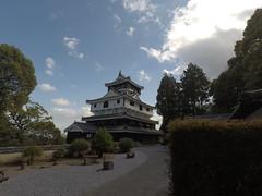 Castle vS honmaru _orig_LG (Hazbones) Tags: iwakuni yamaguchi yokoyama castle kikkawa suo chugoku mori honmaru ninomaru demaru wall armor samurai spear teppo gun matchlock map ropeway