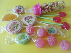 Nostalgie (Hannelore_B) Tags: lebensmittel food nostalgie nostalgia süsigkeiten sweets colourfulcandy smileonsaturday