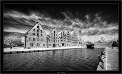 Lübeck, Germany (Dierk Topp) Tags: bw ir luebeck sonya7rir voigtlanderheliarhyperwide10mmf56aspherical architecture infrared kirche lübeck monochrom sw sony superwide ultrawideangle wideangle