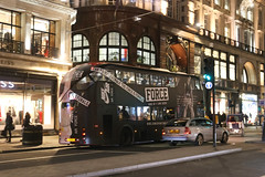 Regent Street - London (United Kingdom) (Meteorry) Tags: europe unitedkingdom england uk britain greatbritain london november 2017 meteorry westminster westminstercity regentstreet bus transport public newroutemaster wrightbus doubledeckerbus nike airforce livery night evening nuit swoir reiss shops