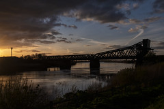 King George V Bridge or as the Locals Call it Keadby Bridge , 26-4-2018a (Bri Hall) Tags: keadby keadbybridge rivertrent kinggeorge kinggeorgevbridge sunset
