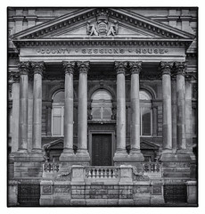 County Sessions House, Liverpool (S.R.Murphy) Tags: april2018 architecture liverpool building classicalarchitecture neoclassical bw bnw monochrome mono england greatbritain unitedkingdom fujifilmxt2 fujifilmxf1855mm squareformat 1x1 countysessionshouse