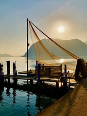 Fishing sail... (mau_tweety) Tags: tramonto sunset lake lago rete net
