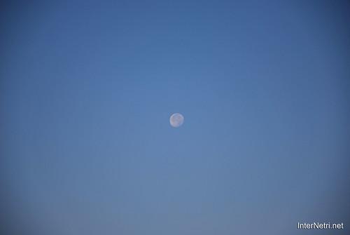 Небо Місяць удень InterNetri Ukraine  53