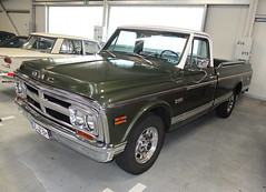 GMC Sierra Grande Pickup 1967-72 (Zappadong) Tags: gmc sierra grande pickup 196772 home classics winsen luhe 2017 zappadong oldtimer youngtimer auto automobile automobil car coche voiture classic oldie oldtimertreffen carshow