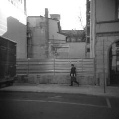 Milano (Valt3r Rav3ra - DEVOted!) Tags: holga holgacfn lomography lomo toycamera plasticcamera medioformato mediumformat 120 6x6 film analogico analogica analog analogue milano valt3r valterravera visioniurbane ilford ilfordfp4 bw biancoenero blackandwhite urbanvisions streetphotography street