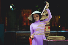 Vietnamese woman in traditional dress praying with incense stick in the burning pot of the Chinese temple, Ho Chi Minh Vietnam (Patrick Foto ;)) Tags: ao asia asian attractive background beautiful beauty buddhism buddhist burning chi china chinese culture cute dai dress face fashion female girl ho holding incense lady minh model people portrait pray pretty religion religious saigon smoke stick temple tradition traditional vietnam vietnamese woman women worship young hochiminhcity hồchíminh vn