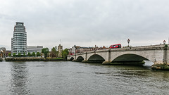 Putney Bridge (PhredKH) Tags: canonphotography fredkh photosbyphredkh phredkh splendid london fredknoxhooke uk cityoflondon thamesriver riverthames thames thamesbridges water scenicwater outdoorphotography 2470mm ef2470mmf4lisusm canoneos5dmarkiii sky river bridge building boat arch tree