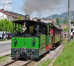 Two steam tram locos leaving Blonay (TrainsandTravel) Tags: switzerland schweiz suisse narrowgauge voieetroite schmalspurbahn steamtrains trainsàvapeur dampfzüge blonaychamby blonay steamtramlocomotive