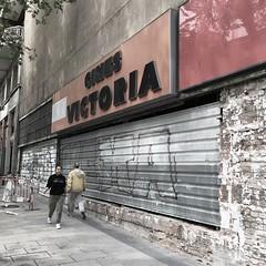 CINES VICTORIA (Hansis y Greta) Tags: cine cinema street calle urbanity urbano urban cinesvictoria madrid spain españa europe europa