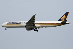 Singapore Airlines Boeing 777-312/ER 9V-SWM (Mark Harris photography) Tags: spotting plane aviation wsss changi