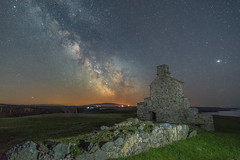 'Leave The Roof Off...' - Porth Ysgaden, Llyn Peninsula (Kristofer Williams) Tags: night sky stars nightscape landscape ruin derelict gableend wall grass rock milkyway galacticcore nightsky astro astrophotography llynpeninsula porthysgaden harbourmasterscottage jupiter wales