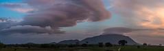 do lado de lá (Thiago Orsi) Tags: amazon amazonia fazendacastanhal nuvem roraima serra alvorada alvorecer amanhecer cloud floresta forest nascerdosol nuvemlenticular orografia serragrande sunrise