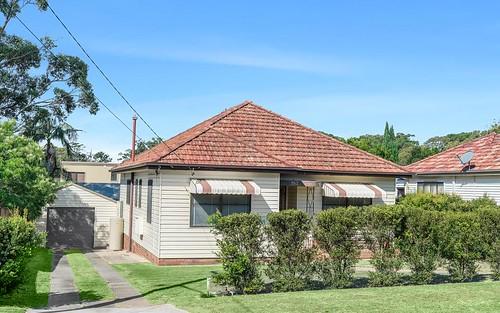 2 Balfour Av, Caringbah NSW 2229