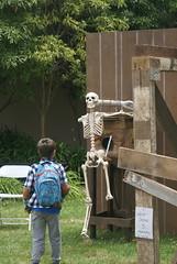 DSC08185 (washuugenius) Tags: photo sanmateo sanmateoeventcenter bayarea makerfaire makerfairebayarea stem steampunk tomsepe ridiculousrobots robot skeleton slap