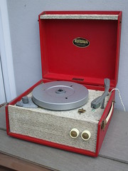 Vintage Dansette Popular Bright Red 1950's Record Player (beetle2001cybergreen) Tags: vintage dansette popular bright red 1950s record player