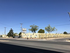 IMG_9358 (f l a m i n g o) Tags: santafe nm newmexico april 2018 motel street