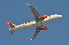 'U284TR' (U20803) LGW-EDI (A380spotter) Tags: takeoff departure climb climbout belly airbus a320 200 sharklets™ sharklets sharklet™ sharklet 200sl a320ceo currentengineoption wingtipdevices wingtipdevice winglets winglet oeivl easyjeteuropeairlinegmbh eju gezww easyjetairline ezy u2 u284tr u20803 lgwedi runway08r 08r london gatwick egkk lgw