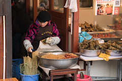 Street Food - Zhujiajiao Water Town (virtualwayfarer) Tags: shanghai shanghaishi china cn ancientvillage historicvillage oldcity watertown watervillage watercity canals exploring chinese chinesetourism tourism tour zhujiajiaowatertown zhujiajiao winter cold yangtzeriver streetfood food cooking local localfood localcuisine alexberger travelphotography sonyalpha a7rii travelphotographer