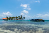 Botes - Archipiélago de San Blas (carlosbenju) Tags: naturaleza water agua mar sea oceano ocean playa beach azul blue cielo sky panama sanblas bote boat barco ship islas islands island arena palmera palm