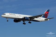 N680DA B752 DELTA AIRLINES (QFA744) Tags: n680da b752 delta airlines