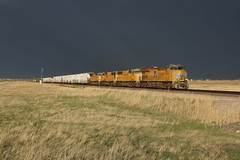 Union Pacific 2768 Wycon/Wyoming (Gridboy56) Tags: up unionpacific usa america wyoming freight locomotive locomotives trains train railways railroad railfreight emd wagons cargo intermodal containers wycon cheyenne