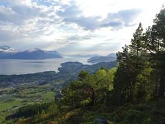 Evening walk (Mrs.Snowman) Tags: rotanakken østrem sunnmøre evening walk hills spring green westernnorway norway