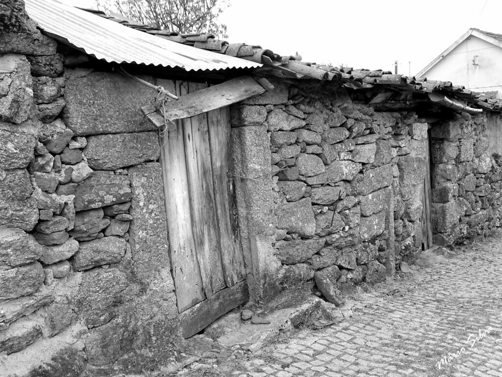 Águas Frias (Chaves) - ... casas na Aldeia, que falassem, muito teriam para contar ... ...
