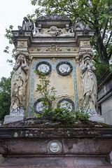 Père Lachaise Cemetery, Paris, France (Oleg.A) Tags: îledefrance france grave paris pèrelachaisecemetery сemetery cimetière cimetièredupèrelachaise tomb fr