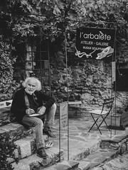 """""""En élevant votre âme au-dessus de la vie vulgaire, vous trouverez des joies que peu connaissent. Vous aurez la seconde vue, celle de l'inspiration."""" Jean-Baptiste Carpeaux. #larbalete #sculptor #art #thought #portrait #gx80 #pyreneesorientales #blackandw (Lexlutin66) Tags: gx80 pyreneesorientales blackandwhitephotography larbalete sculptor art thought portrait"""