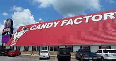 Redmon's Candy Factory (Adventurer Dustin Holmes) Tags: 2018 redmons candyfactory missouri interstate44 i44 phillipsburgmo phillipsburgmissouri lacledecounty gasstation touristattraction touristattractions phillips66 redroof red roof