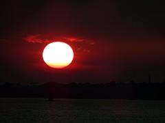 Coucher de soleil St Armel (Bretagne) (Yset1) Tags: coucher de soleil mer bretagne