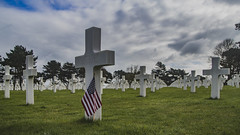 D-Day (death day) v2 (ponzoñosa) Tags: dday normandie omaha utah beach cementerio cementery france ww2 guerra mundial war usa eeuu flag bandera cross green white death landing nazism nazi