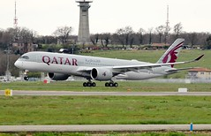 Qatar Airways Airbus A350-900 A7-ALV (Planes Spotter And Aviation Photography By DoubleD) Tags: airbus a350 a350900 xwb qatar airways airlines liners engines rolls royce plane aircraft aviation aeronautic landing gear rotation spotters spotting france lfbo toulouse canon eos 80d