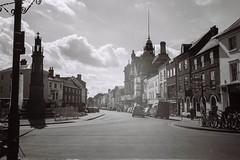 A022331-R1-19-20-3.jpg (theoldsmithy) Tags: xa2 olympus acros 35mm film street