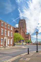 Liverpool's Anglican Cathedral 20th May 2018 (Bob Edwards Photography - Picture Liverpool) Tags: plant architecture building city downtown town townsquare urban tree road street oak sycamore housing neighborhood path alleyway fence hedge intersection anglicancathedra liverpool merseyside churchworship cofe streetlamp victorian bobedwardsphotography pictureliverpool