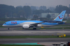 PH-TFL, Amsterdam Schiphol, October 19th 2015 (Southsea_Matt) Tags: phtfl boeing 787800 tui arke october 2015 autumn schiphol ams eham amsterdam holland thenetherlands canon 60d aircraft plane aviation airport transport