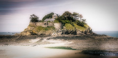 Fort du Guesclin 2018 (EBoss Fotografie) Tags: saintcoulomb fort bretagne brittany france chateau art colors soft canon sky water beach sand building architecture landscape painting sea rock