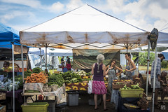 Farmers' Market, Hanalei (lycheng99) Tags: farmers farmersmarket market outdoors tent people blue bluesky clouds fruits food kauai hawaii travel