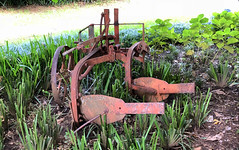Farm Implement (RobW_) Tags: cleopatra mountain farmhouse kamberg kwazulu natal south africa monday 26feb2018 february 2018 farming implement metallic object