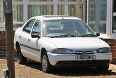 L621 ORC (Nivek.Old.Gold) Tags: 1994 ford mondeo 18 16v lx 5door tcharrison