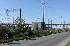 Cycle club (D70) Tags: sony dscrx100m5 ƒ45 88mm 1800 125 morning sun westkentave vancouver bc canada seniors bikes cycle club