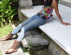 SDC13644 (ikat.bali) Tags: girl fotomodell photomodel leder leather jeans amateur belt gürtel fashion fetish outfit