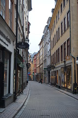 Buildings in the Old Town, Stockholm, Sweeden (mattk1979) Tags: stockholm sweeden europe winter snow cold grey outdoors city buildings urban gamlastan old town cobbled street historic